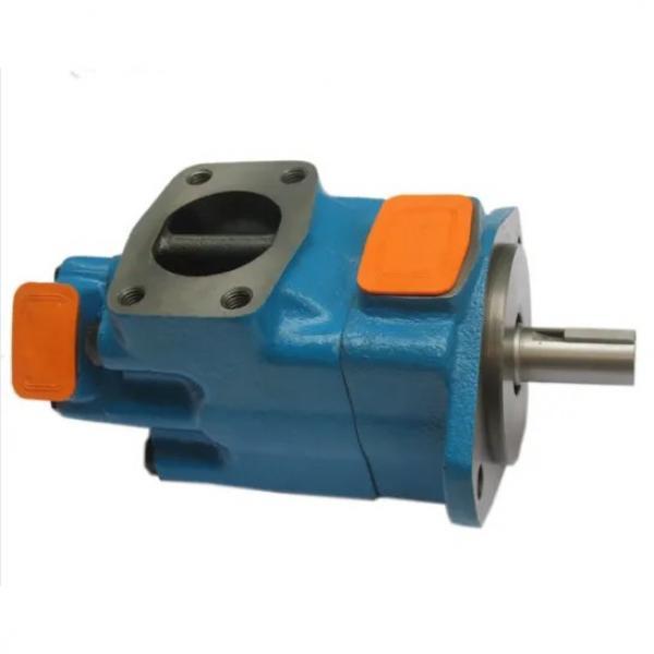 Vickers PVH098QIC RSF 1S 10 C25 31 Piston Pump #1 image